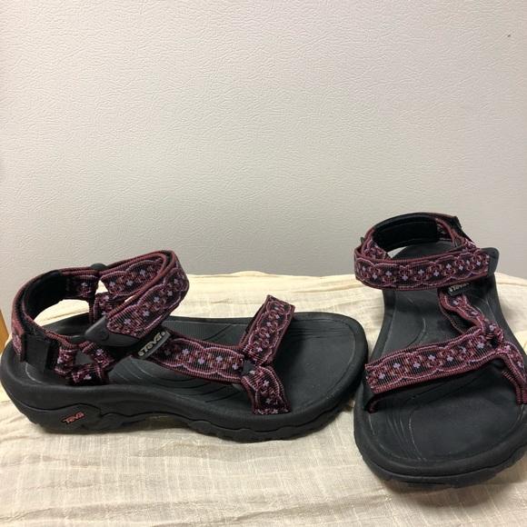 a67f9f160856 Teva Girl Youth Sandal. M 5b19c1572e147827fd06c050